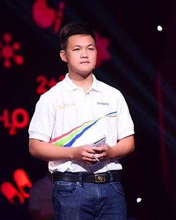 Hà Việt Hoàng trong trận chung kết Đường lên đỉnh Olympia năm 2017. Ảnh: Giang Huy