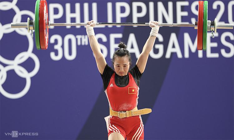Đô cử Vương Thị Huyền thi đấu tại SEA Games 30. Ảnh: Đức Đồng