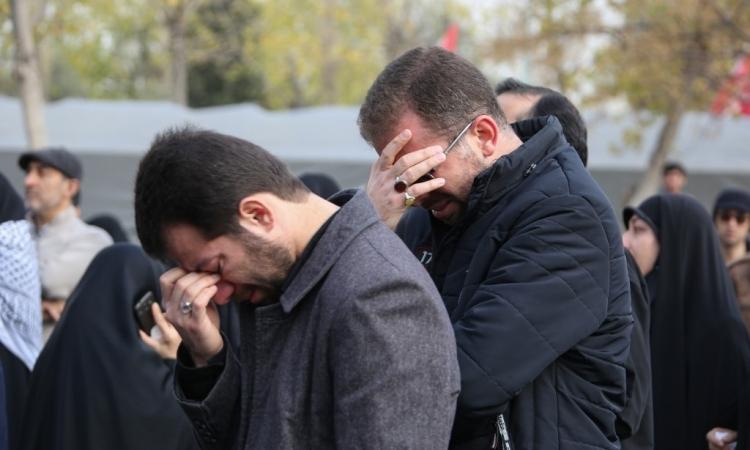 Người dân Iran đau buồn trước cái chết của thiếu tướng Qasem Soleimani hôm nay. Ảnh: AFP.