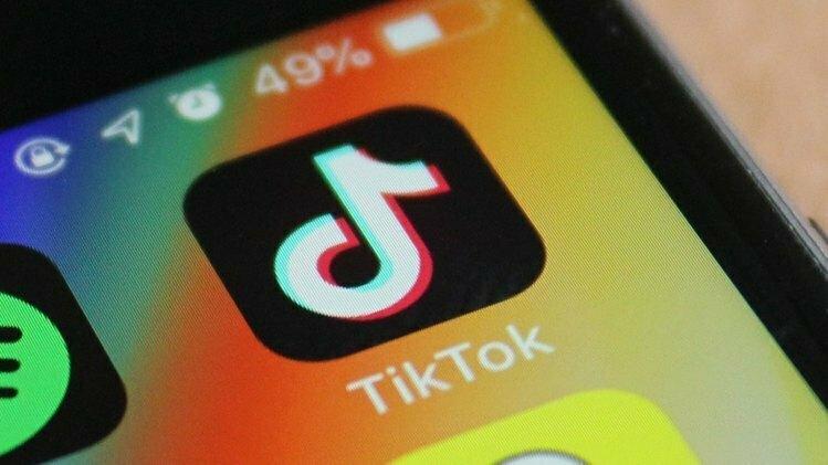 Logo ứng dụng TikTok hiển thị trên màn hình điện thoại. Ảnh: TechCrunch.