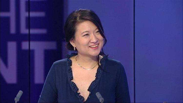 Euny Hong, nhà văn, nhà báo ngườ Mỹ gốc Hàn. Ảnh: France24