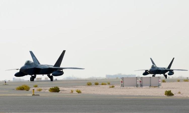 Chiến đấu cơ Mỹ tại căn cứ không quân Al Udeid, Qatar, hồi tháng 6 năm ngoái. Ảnh: US Air Force.