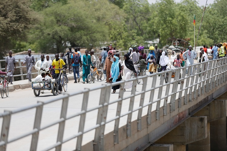 Cây cầu ở thị trấn Gamboru hồi năm 2017. Ảnh: Reuters.