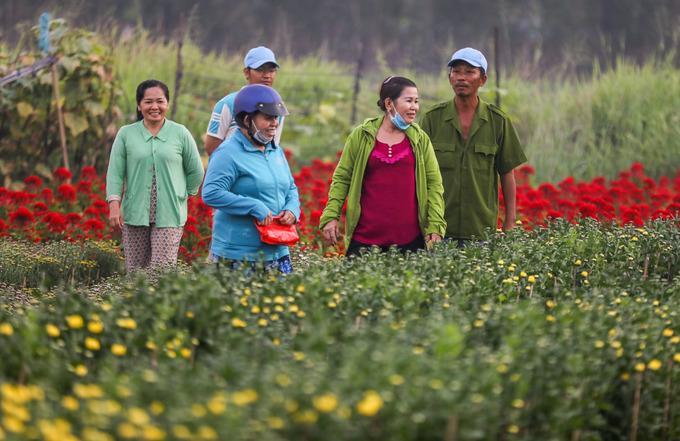 Làng hoa ở ngoại thành Sài Gòn vào vụ Tết
