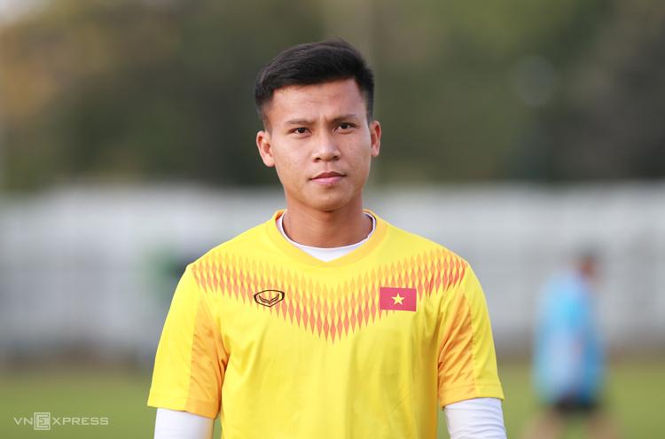 Ngọc Bảo chia sẻ với truyền thông trước buổi tập của U23 Việt Nam tại sân tập Chang Arena chiều 8/1.