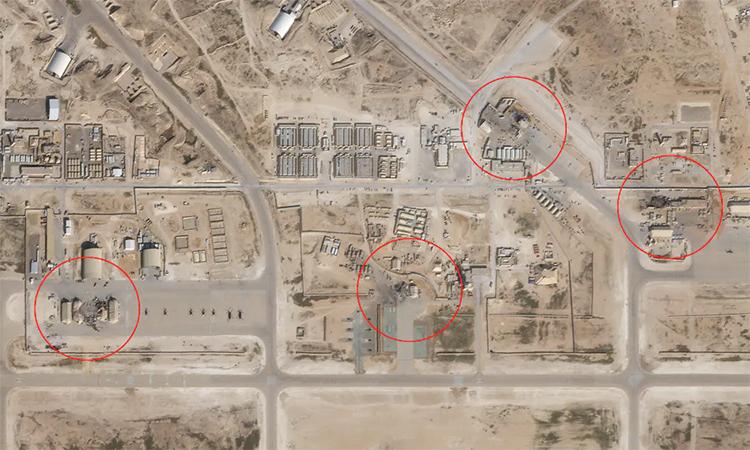 Các nhà chứa máy bay và công trình tại căn cứ al-Assad, Iraq bị hư hại sau đòn tập kích tên lửa của Iran ngày 8/1. Ảnh: Planet Labs.