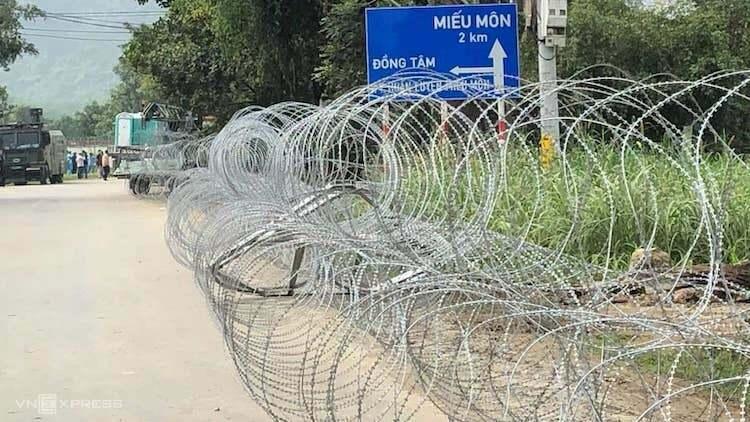 Đường qua khu vựcxã Đồng Tâm. Ảnh: Việt Đức