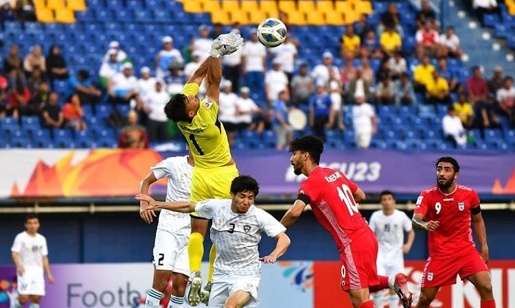 Uzbekistan và Iran bất phân thắng bại sau một trận đấu có chuyên môn cao. Ảnh: AFC.