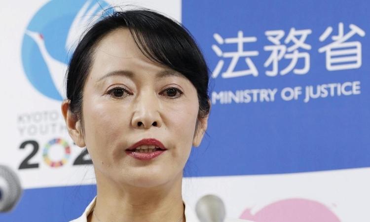 Bộ trưởng Tư pháp Nhật Bản Masako Mori nói trong cuộc họp báo ở Tokyo hôm nay. Ảnh: Reuters.