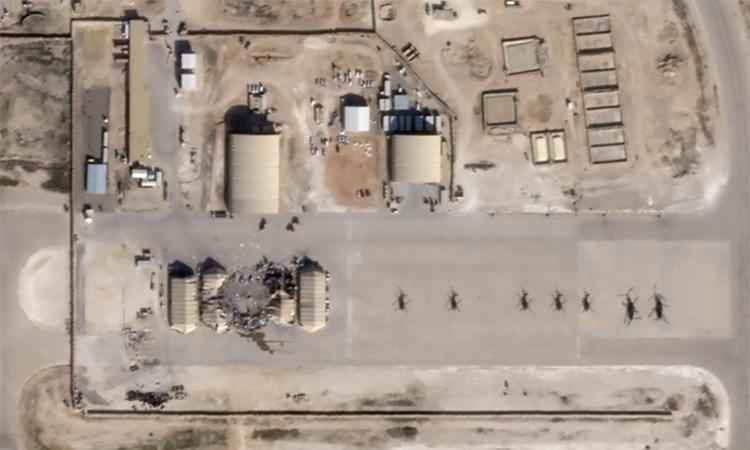 Hình ảnh vệ tinh cho thấy thiệt hại tại căn cứ Ain al-Asad sau cuộc tập kích tên lửa của Iran ngày 8/1. Ảnh: Reuters.
