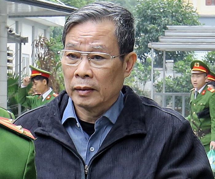 Ông Nguyễn Bắc Son sau khi nhận bản án tù chung thân, ngày 28/12/2019. Ảnh: Giang Huy.