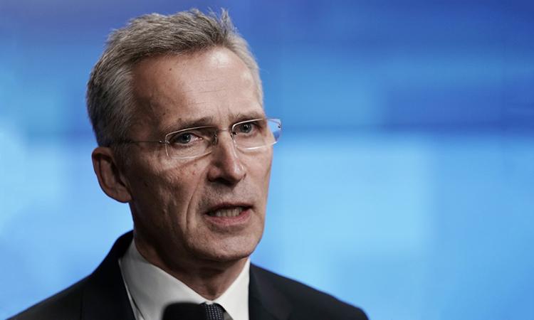 Tổng thư ký NATO Jens Stoltenberg nói trong cuộc họp báo ngày10/1 tại Brussels, Bỉ. Ảnh: AFP.