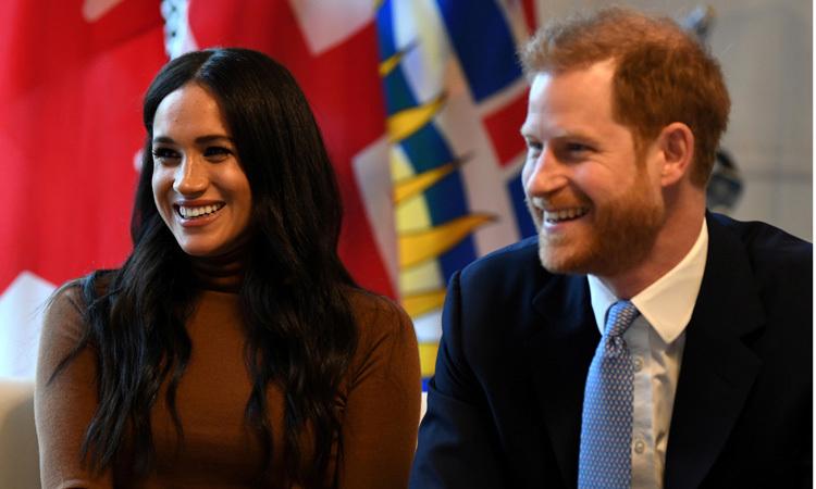 Harry và Meghan trong chuyến thăm cơ quan ngoại giao Canada ở London hôm 7/1. Ảnh: Reuters.