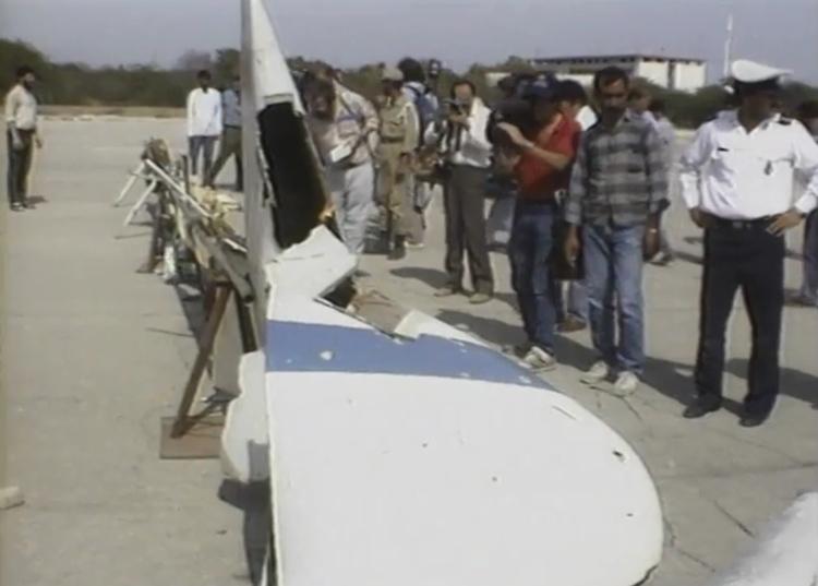 Mảnh vỡ chiếc Airbus A300 của hãng Iran Air bị Mỹ bắn hạ tháng 7/1988. Ảnh: Reuters.