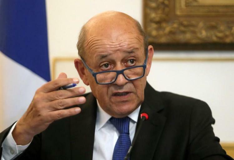 Ngoại trưởng Pháp Jean-Yves Le Drian phát biểu trong cuộc họp báo tại thủ đô Cairo, Ai Cập hồi tháng 9/2019. Ảnh: Reuters.