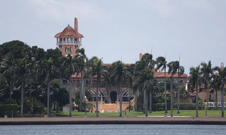 Khu nghỉ dưỡng Mar-a-Lago của Tổng thống Mỹ ở thị trấn Palm Beach, bang Florida hồi tháng 10/2019. Ảnh: AP.