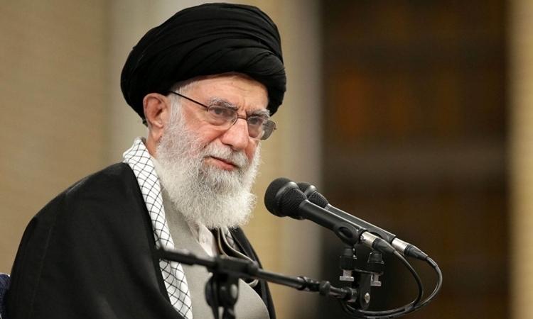 Lãnh tụ tối cao IranAyatollah Ali Khamenei tại Tehran ngày 8/1. Ảnh: AFP.