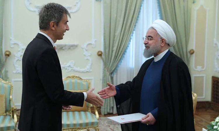 Đại sứ Thụy Sĩ Markus Leitner gặp Tổng thống Iran Hassan Rouhani hồi năm 2017. Ảnh: Swiss Embassy Iran.