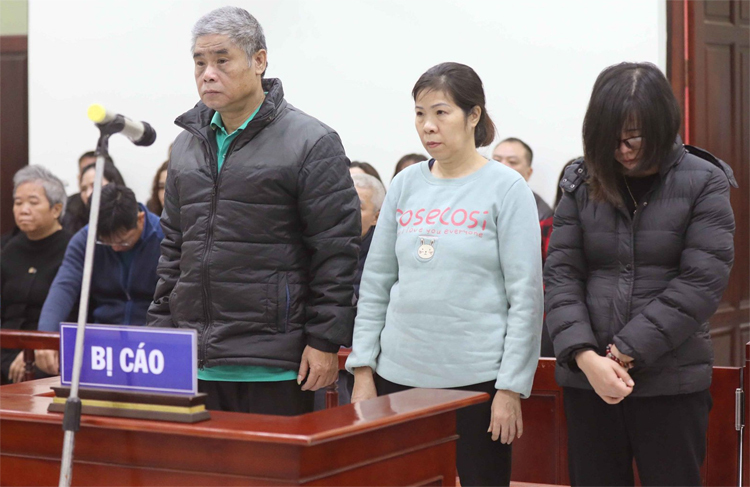 Ba bị cáo tại phiên tòa. Ảnh: TTXVN
