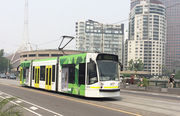 Xe tram (xe điện), phương tiện giao thông công cộng phổ biến ở Melbourne.Ảnh: Thoại Giang