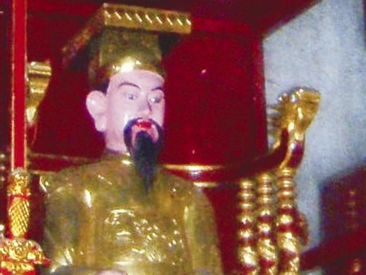 Tượng vua Lý Thái Tông ở đền Lý Bát Đế (Đền Đô ở Từ Sơn, Bắc Ninh). Ảnh: Wikipedia