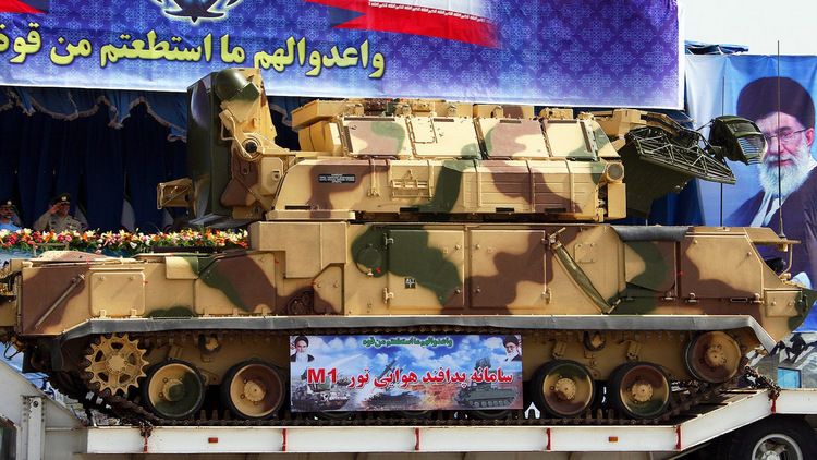 Tên lửa phòng không Tor-M1 được Nga bán cho Iran năm 2005. Ảnh: AFP.