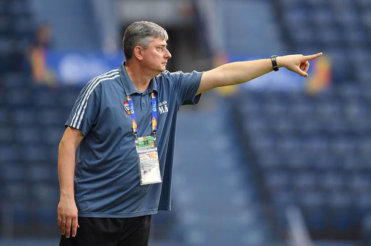 HLVMaciej Skorza chỉ đạo trong trận hoà 0-0 với Việt Nam ngày 13/1.
