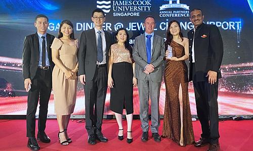 Du học INEC là đối tác xuất sắc 2019 của ĐH James Cook Singapore