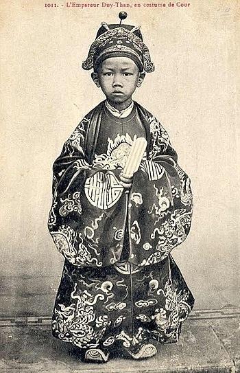 Ông vua sinh năm Canh Tý lên ngôi lúc 7 tuổi - ảnh 1
