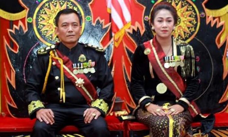 Indonesia bắt người tự xưng vua - ảnh 1
