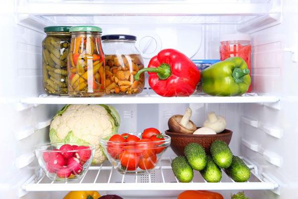 Để bảo quản thực phẩm, nhiệt độ tủ lạnh rất quan trọng.