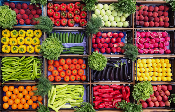 Phân loại thực phẩm, bọc gói bằng giấy báo sẽ giúp việc bảo quản thuận lợi hơn. Ảnh minh họa. Nguồn: shutterstock
