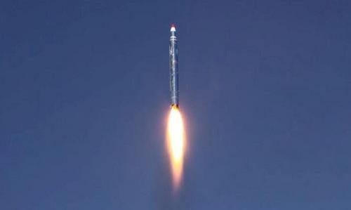 Tên lửa rơi trúng căn cứ quân sự, 70 lính thiệt mạng