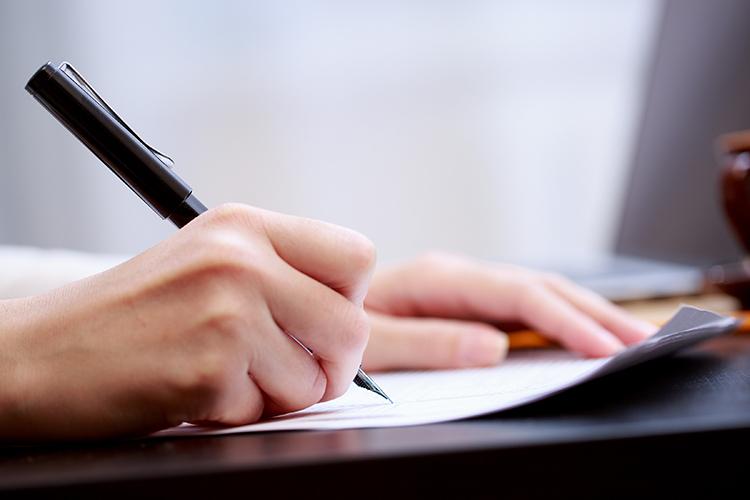 Cách viết bài luận về bản thân trong hồ sơ du học - ảnh 1
