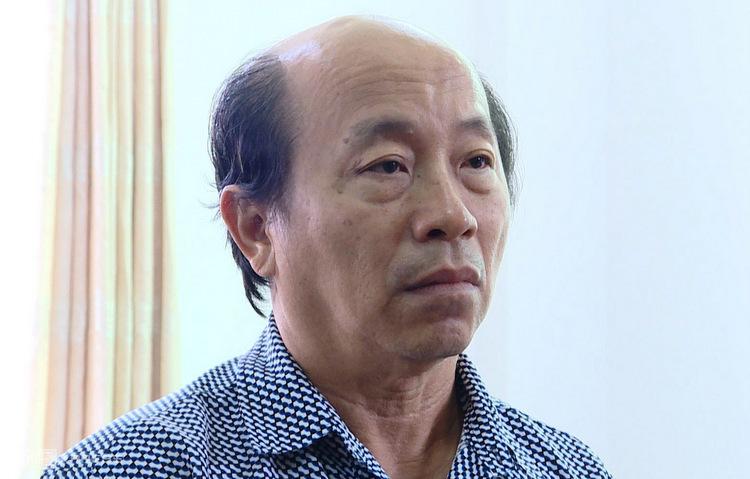 Ông Việt tại nhà riêng sáng 20/1. Ảnh: Quang Bình.