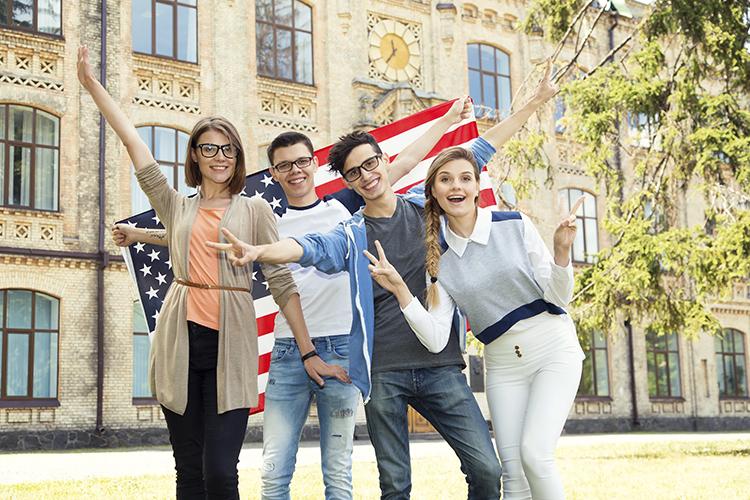 Du học sinh tại Mỹ. Ảnh: Shutterstock