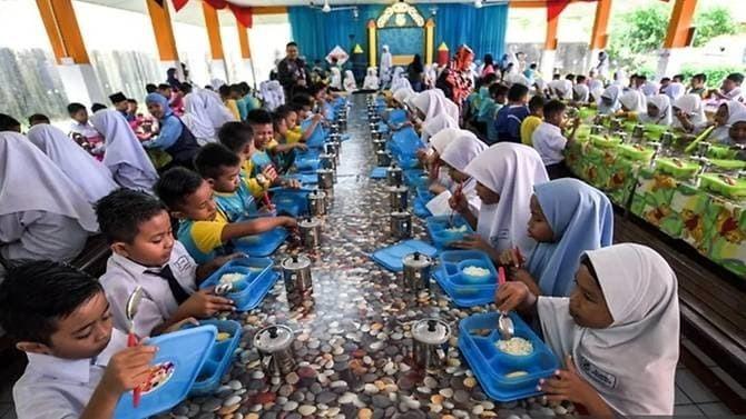 Malaysia cung cấp bữa sáng miễn phí cho học sinh nghèo - ảnh 1