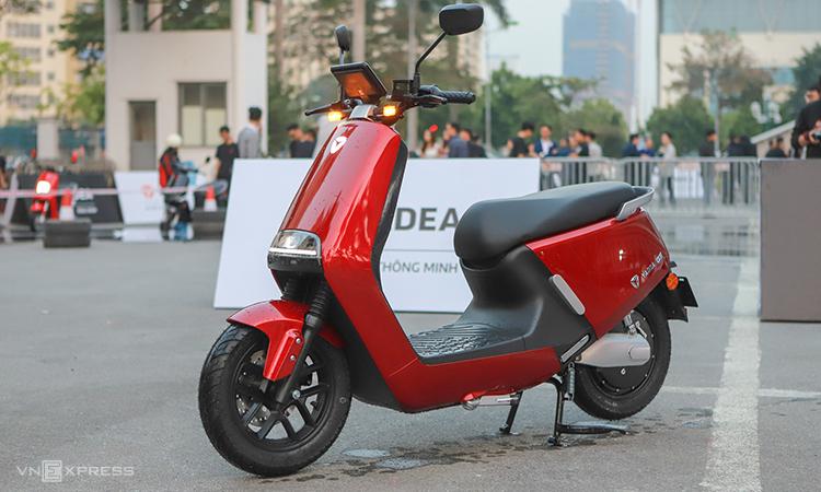 Mẫu Yadea G5 giá 40 triệu trong lần ra mắt ở Hà Nội. Ảnh: Lương Dũng