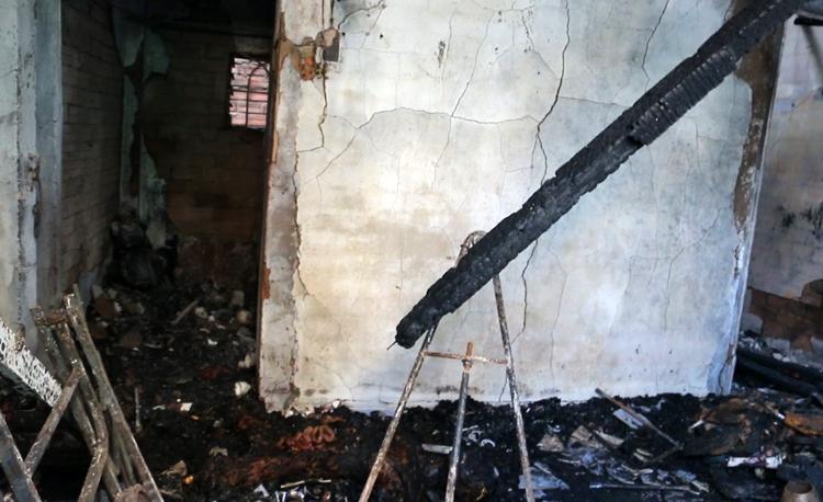 Cháy nhà, 5 người chết - ảnh 2