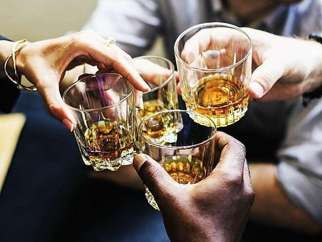 Sử dụng rượu, bia dịp Tết như thế nào cho đúng luật? - ảnh 1