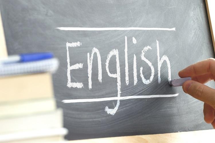 Trắc nghiệm cụm giới từ tiếng Anh - ảnh 1