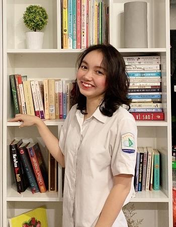 Ngoài giải nhất môn văn học sinh giỏi quốc gia, Minh Khuê đạt IELTS 7.0 và N3 tiếng Nhật. Ảnh: Nhân vật cung cấp