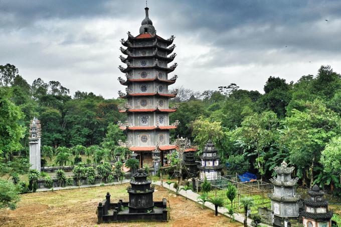 'Chuông thần, giếng Phật' trong chùa 300 năm