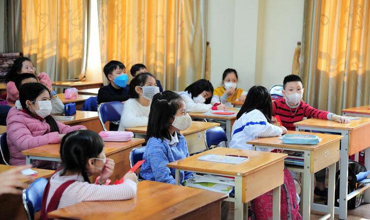 Một lớp Tiểu học Nguyễn Siêu khuyến khích học sinh đeo khẩu trang suốt thời gian học tập và sinh hoạt tại trường. Ảnh: Nguyễn Siêu School.