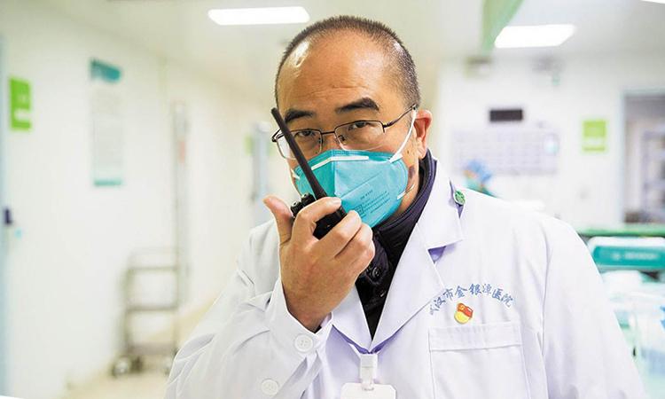 Bác sĩ chạy đua với tử thần chống dịch viêm phổi - ảnh 1