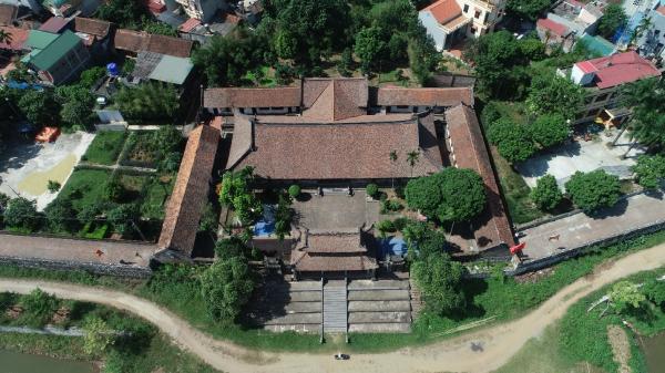 Tên gọi miến làng So gắn liền với đình So, một ngôi đình đẹp nổi tiếng thuộc xã Cộng Hòa, huyện Quốc Oai, nằm cách trung tâm Hà Nội 20 km.