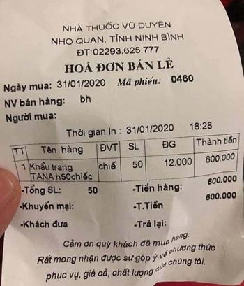 Biên lai bán một hộp khẩu trang giá 600.000 đồng của Công ty Vũ Duyên. Ảnh: Xuân Hoa.