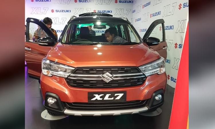 Suzuki XL7 ra mắt tại Indonesia trong một sự kiện riêng. Ảnh: Autocar India
