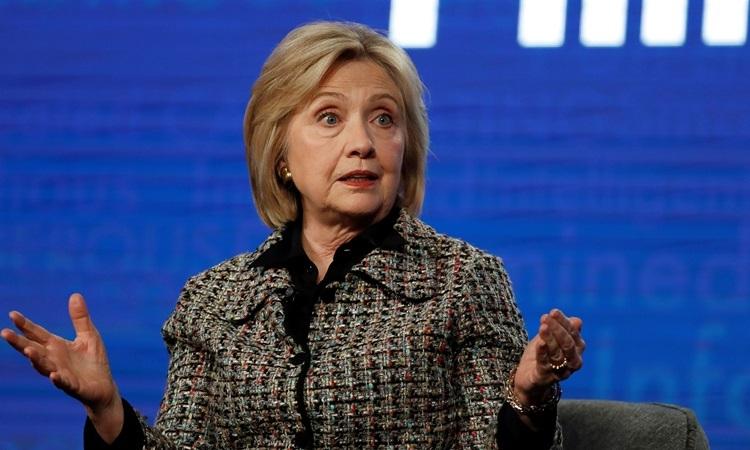 Cựu ngoại trưởng Mỹ Hillary Clinton phát biểu tại một hội thảo ở California hôm 17/1. Ảnh: Reuters.