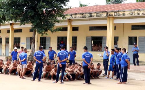 200 học viên cai nghiện bỏ trốn được đưa trở lại trại hai năm trước. Ảnh: Hoàng Nam